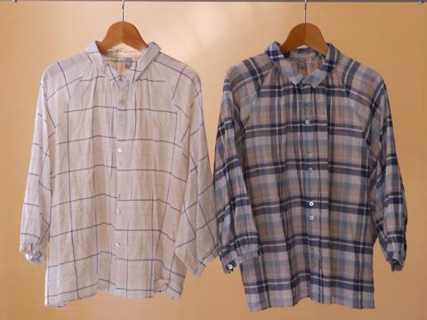 washwash コットンリネンチェックシャツ 左:ベージュ 右:ネイビー