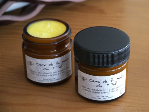 Teha'amana テハマナ hand cream ¥1,600 + tax 日本蜜蜂の蜜蝋にアロマを配合した無添加のオリジナルハンドクリームです。