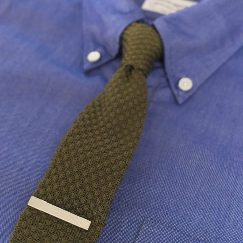 tie pin : WORKERS ワーカーズ Tie Clip neck tie : WORKERS ワーカーズ Silk Knit Tie shirt : Manual Alphabet マニュアルアルファベット ピマコットンオックスBDシャツ