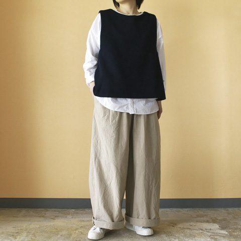 vest : (g) グラム モッサウールバッククロスベスト shirt : (g) グラム コットンタイプライタークロス パジャマシャツ pant : Gauze# ガーゼ ウエザーコットンルーミーロングパンツ