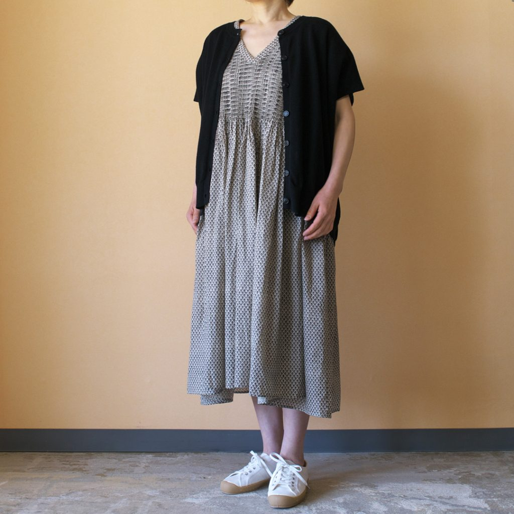 maison de soil メゾンドソイル V-neck french sleeve pullover dress with mini Vネックフレンチスリーブプルオーバードレス